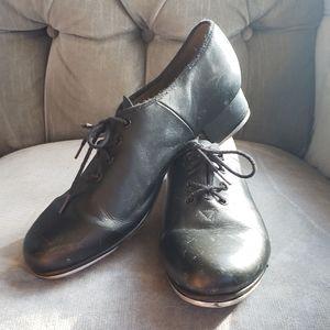 Bloch black tap shoes size 10 slightly worn.